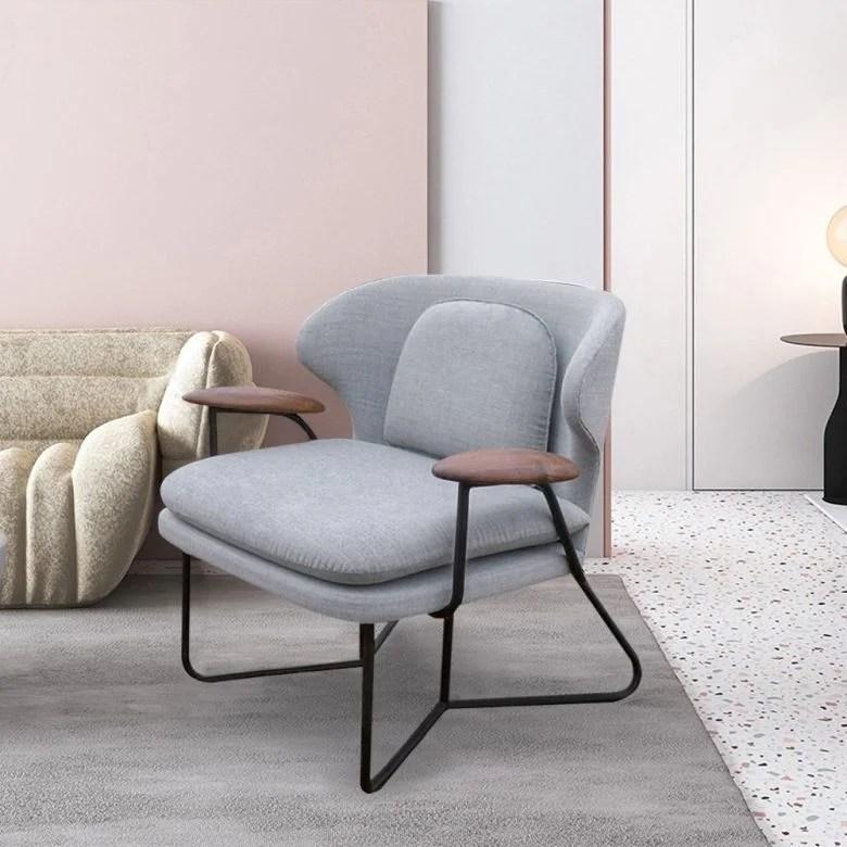 Nella vasta selezione di tavoli e sedie mondo convenienza troverai sempre offerte attive: Sedie Moderne Proposte Per Arredare Casa