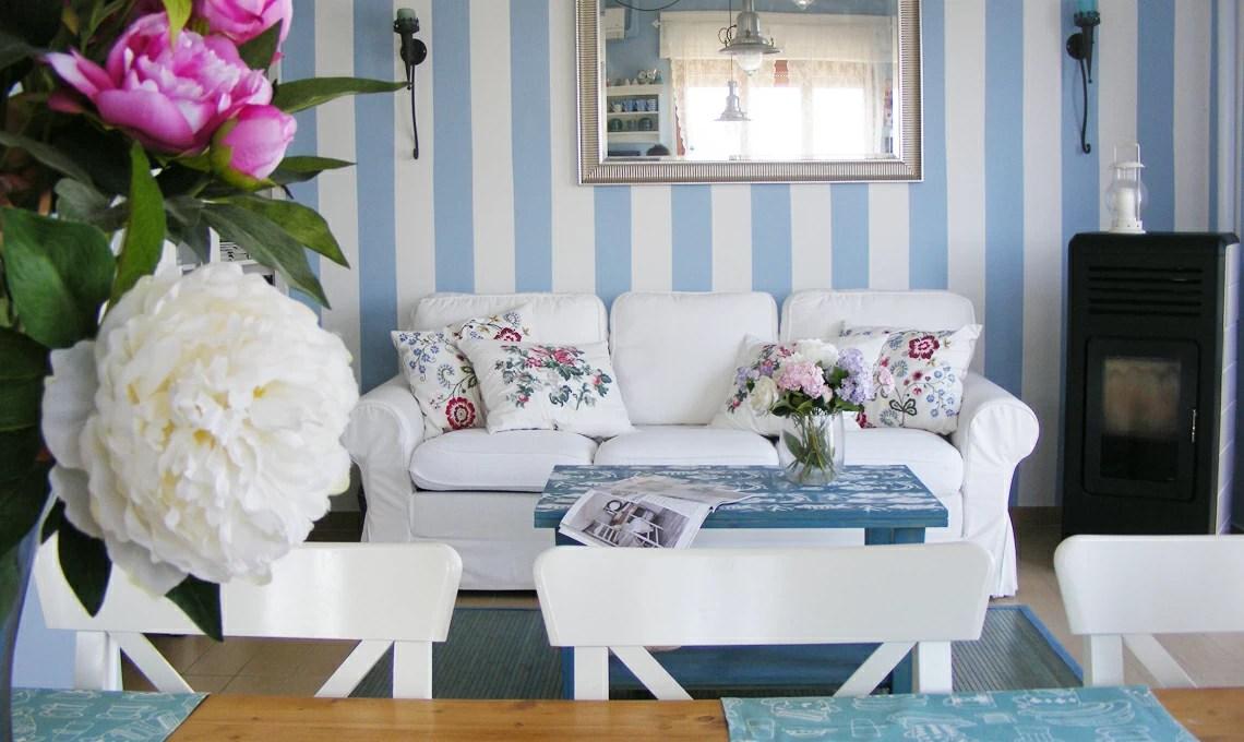 """I colori dominanti per creare un perfetto bagno in stile """"shabby chic"""", che si tratti della pittura delle pareti o della scelta delle piastrelle,. Una Casa Al Mare Arredata In Stile Shabby Casafacile"""