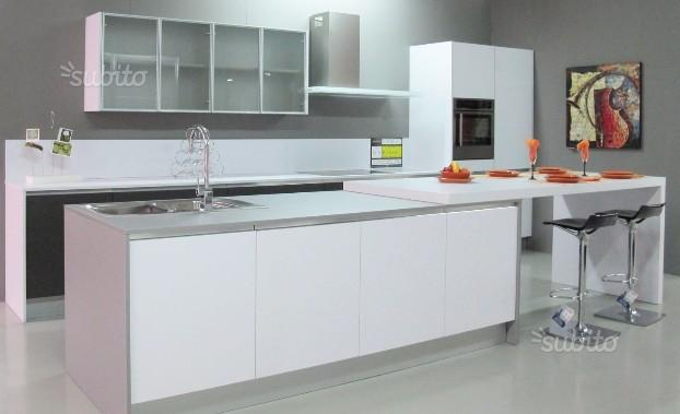 Cucina Up con isola by Snaidero