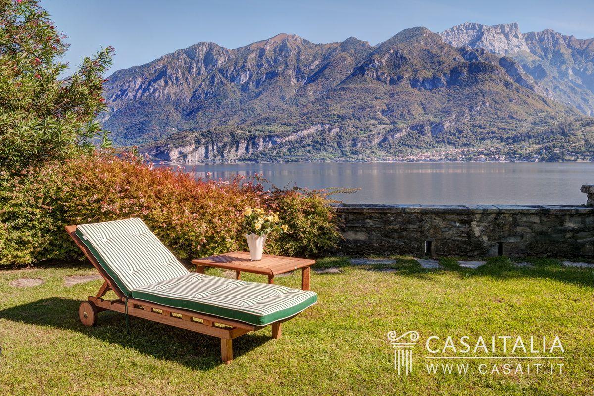 Villa Con Darsena Sul Lago Di Como