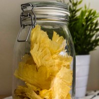 Crunchy Pineapple Chips