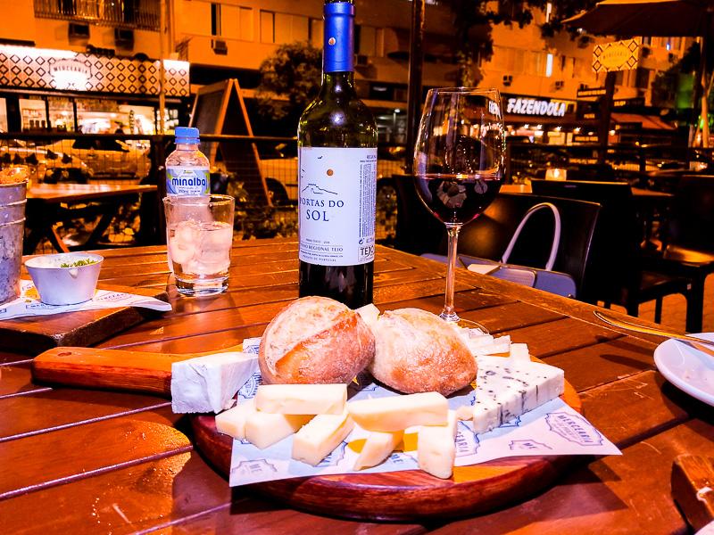 Happy Hour da Mercearia da Praça