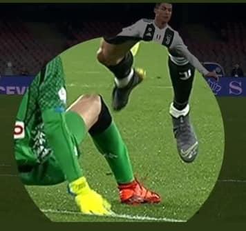 Fallo di Meret su Ronaldo