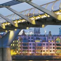 8-924 Millennium Bridge