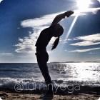 Con lo yoga Resti in forma anche se hai troppi impegni.