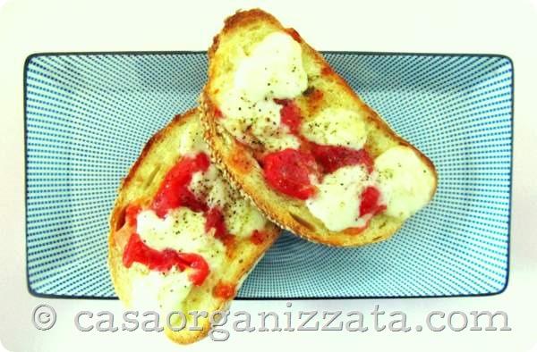 Ricette veloci per cena (e non solo): pizzette di pane