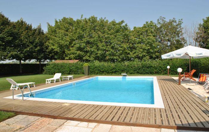 casareggio la tua piscina, a Mantova