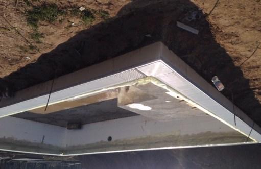 piscina casareggio_vuota_sfioro