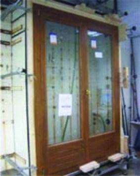 ventanas en las casas de madera Carpato