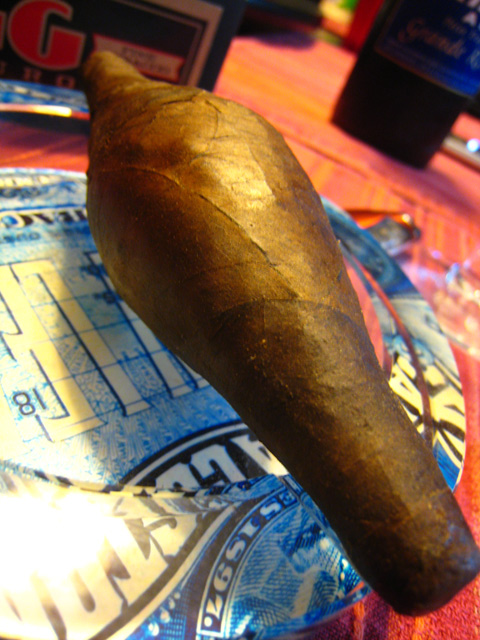 Drew Estate Natural Egg Maduro