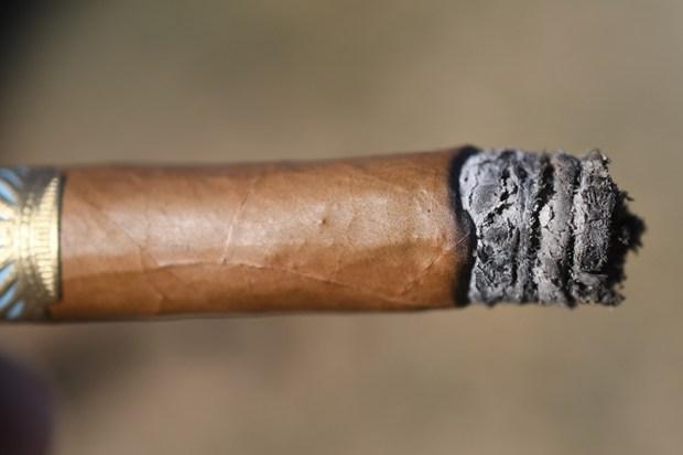 dunbarton-tobacco-trust-sobremesa-brulle-blue-7