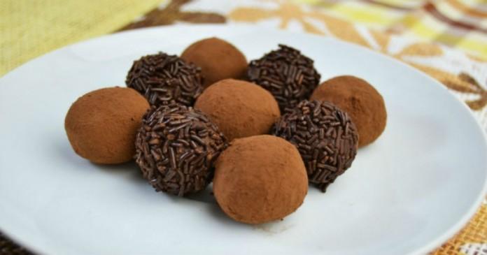 Χριστουγεννιάτικα σοκολατάκια-τρούφες που λιώνουν στο στόμα!