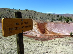 The end of the Painted Cove Trail has panoramic views of the hills and the Painted Hills Reservoir.