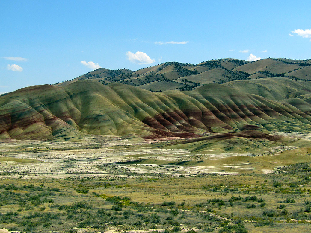 Looking over the main section of the Painted Hills from the viewpoint.