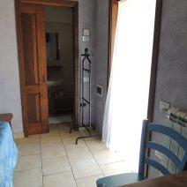 camere-classiche-lambroun-ingresso