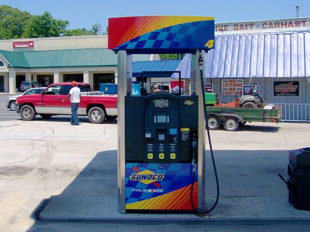 Petrol_PumpGraphics_RiversCountryStore_04