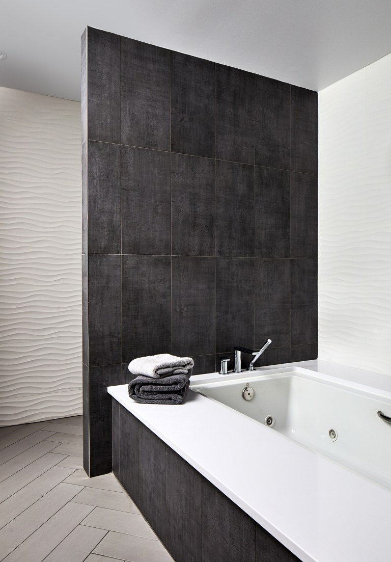 bathroom compack back wall tile with rectangular tub