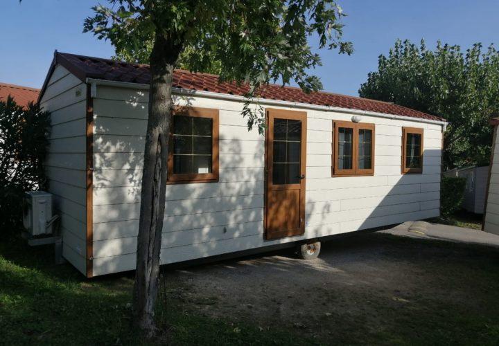 Arredare la casa a roma non sarà più un problema, ti metteremo a disposizione i nostri consulenti, che ti aiuteranno a decidere, se ne avrei bisogno, come ottimizzare lo spazio a tua disposizione. Case Mobili Occasioni Nuovo E Usato Case Su Ruote Case Prefabbricate Case In Legno
