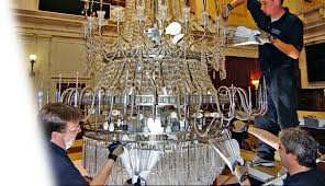 A Guide To Chandelier Cleaning