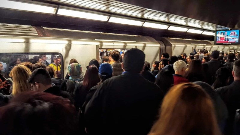 The Week That Was... October 11-17, 2015 — TTC Subway Delay — Toronto — Bloor-Yonge Station