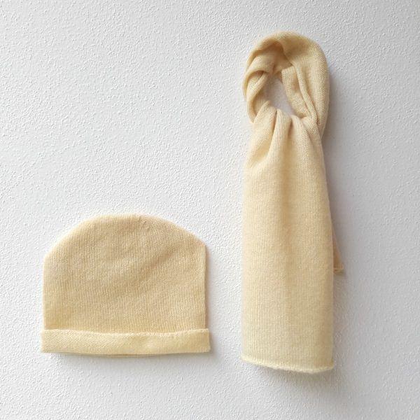 Sciarpa e cappellino bebè