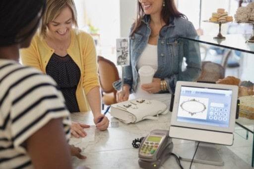 クレジットカードでオンラインカジノを楽しむメリット