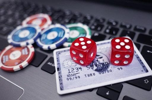 オンラインカジノで何をするの