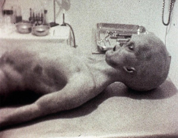 An image showing an 'Alien' that appeared to have been found in 1947