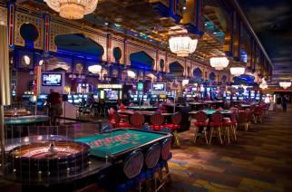 Casino Floor (Image: Antoine Taveneaux / Wikimedia Commons)