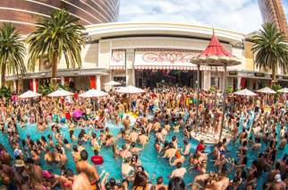 Vegas DOES have great parties. (Image: vegaspoolseason.com)