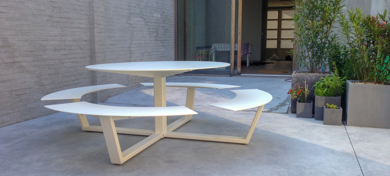 la grande ronde picnic table