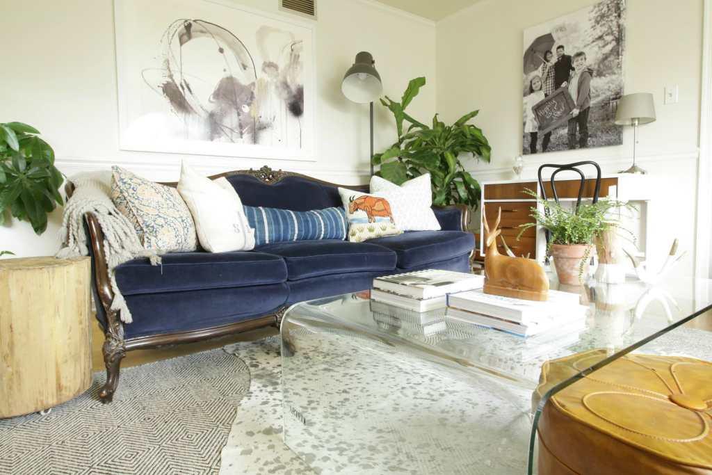 fabulous-vintage-navy-velvet-sofa