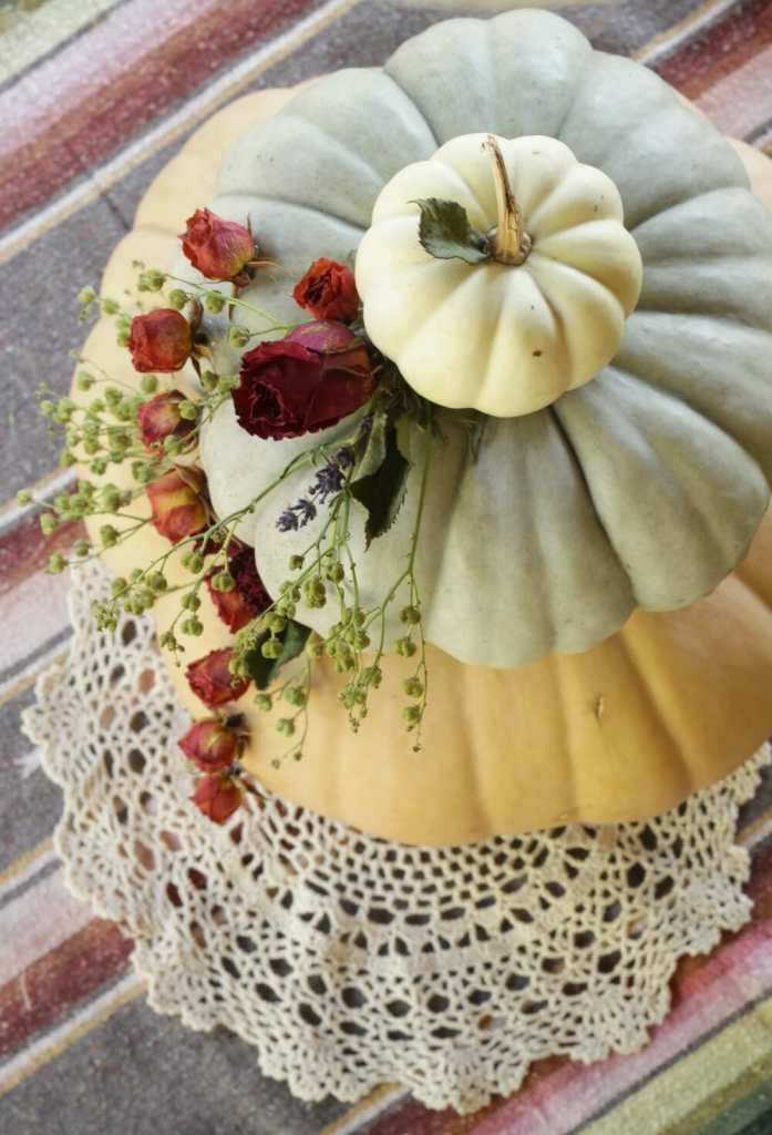 tiered-pumpkin-dried-floral-fall-centerpiece