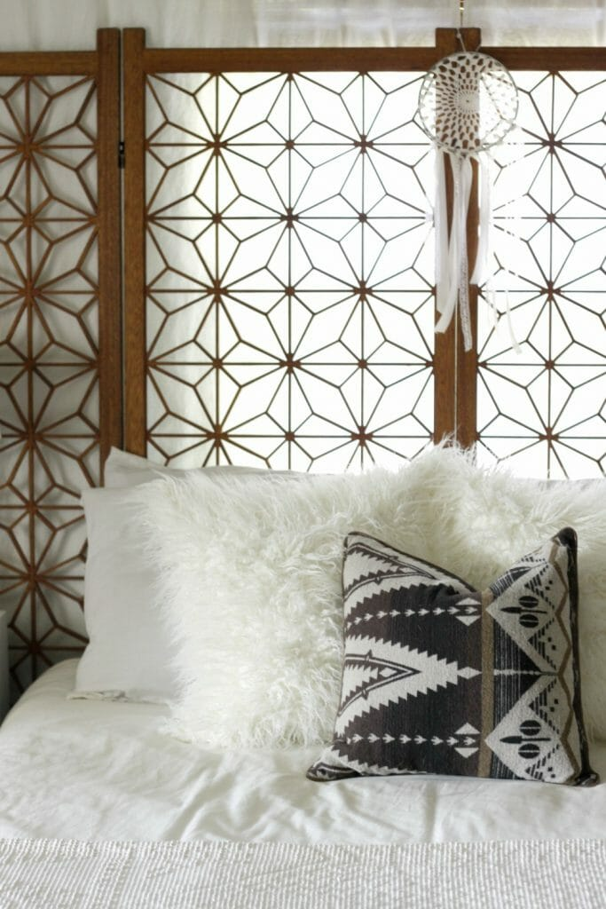 vintage-screen-headboard-modern-boho-bedroom