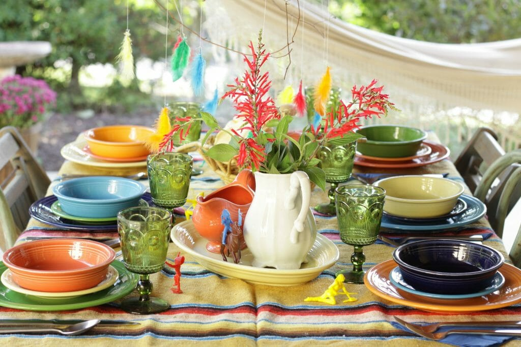 Colorful Kids Table for Thanksgiving- Fun ideas!