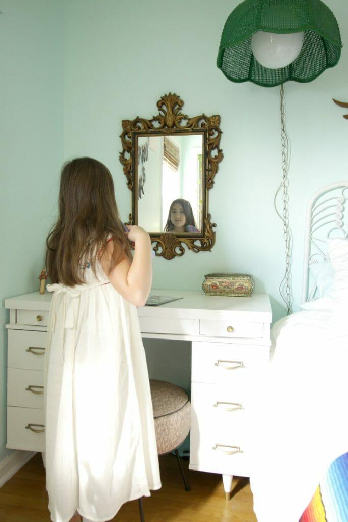 Using desk as vanity