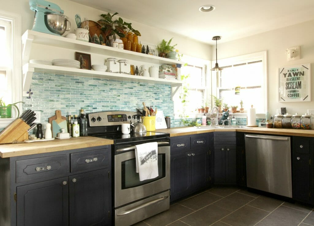 eclectic-blue-kitchen-at-christmas