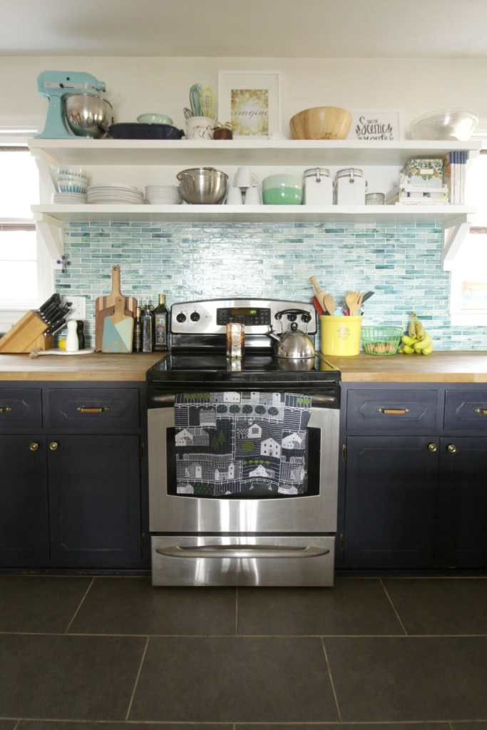 Updating Kitchen Hardware is an easy and affordable change