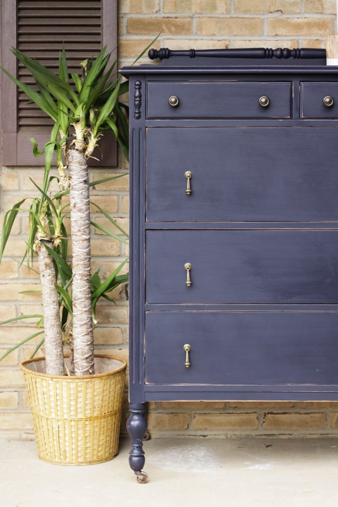 Coastal Blue Vintage Dresser with Teardrop Pulls- DIY Furniture Makeover