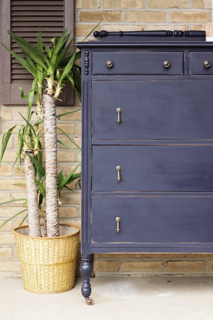 Coastal Blue Vintage Dresser with Teardrop Pulls- DIY Furniture Makeover