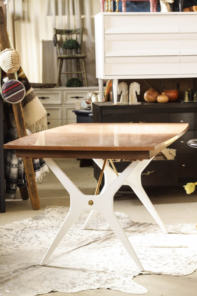 Uniwue Midcentury Dining Table DIY in White, Wood, and Gold