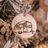 DIY Wood Burned Log Slice Ornaments