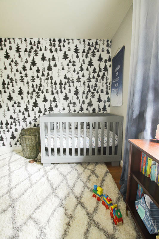 Wallpaper in a nursery- how to