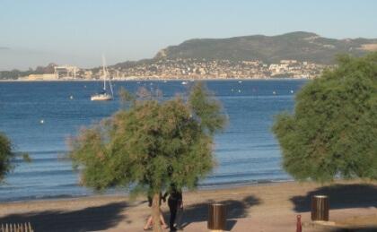 Blick auf La Ciotat von Saint-Cyr-sur-Mer aus