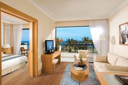 One bedroom suite seaview