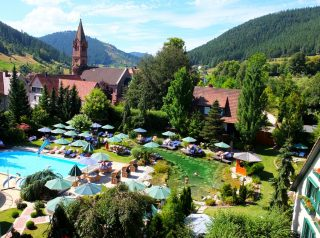 Hotel Bareiss Schwarzwald - étang / piscine