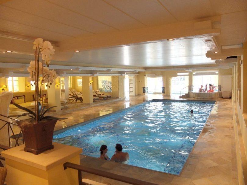 Hotel Bareiss Schwarzwald - piscine intérieure