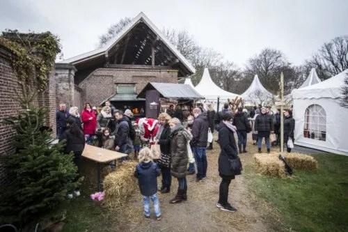 Entree kerstmarkt Castle Christmas Fair te Heemskerk