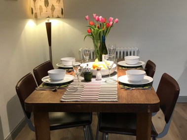 GB Dining table
