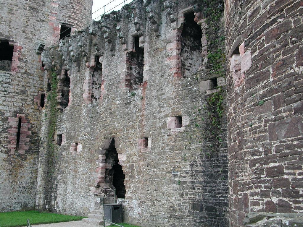 https://i1.wp.com/www.castlewales.com/conwy06.jpg